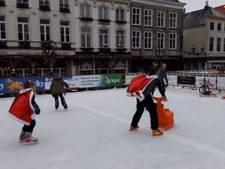 Schaatsen op de markt in Bergen op Zoom