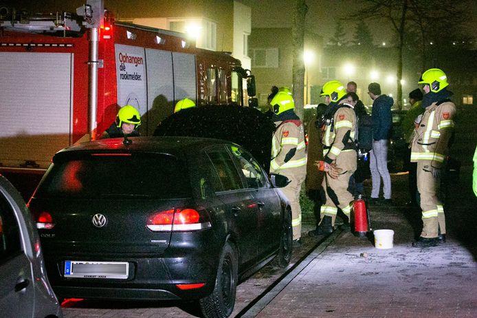 Jongeren richtten hun vuurpijlen op brandweer en politie in Ede.