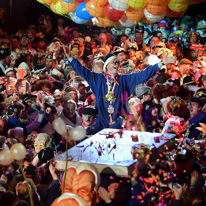 Aankomst van de prins tijdens het Neuzebal in 2019.