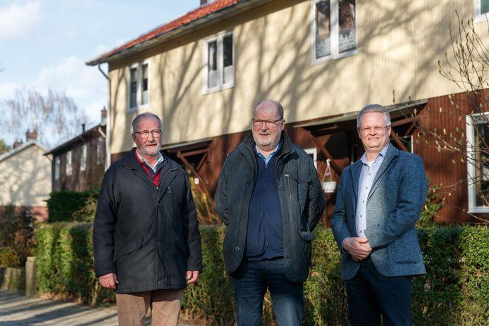 Om de zes Zweedse woningen in Halsteren, een geschenk van de Zweden na de watersnood in 1953, te behouden, is er een plan ontwikkeld door onder anderen (vlnr) Jan van Trijen (Dorpsraad), Wout Huijgens (Heemkundekring Halchtert) en Marc van der Steen (woningcorporatie Stadlander).