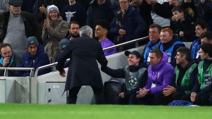 """Mourinho nodigt ballenjongen uit voor etentje: """"Hopelijk kunnen we hem mooie herinnering geven"""""""