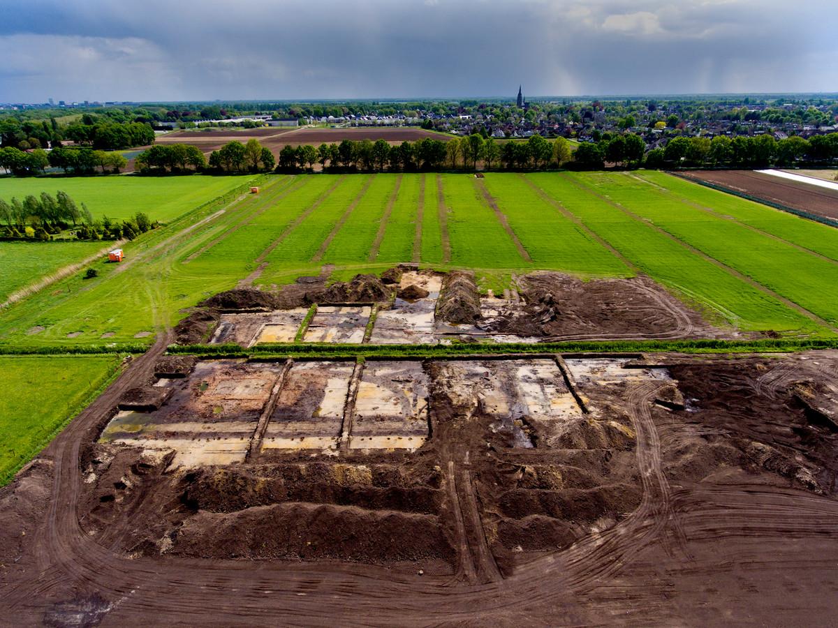 Luchtfoto van de opgraving toen alles nog bloot lag. Inmiddels is de vindplaats weer afgedekt.