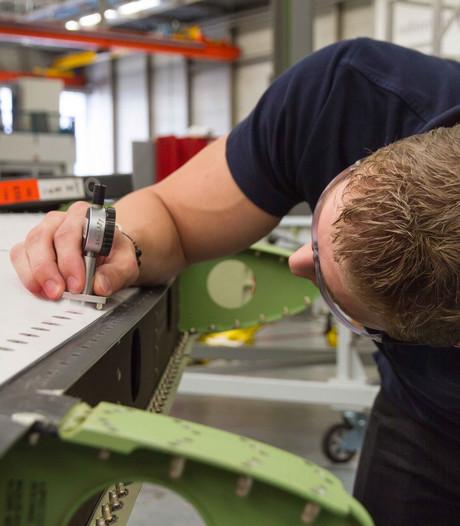 Binnen bij Fokker: wereld van vliegtuigonderdelen