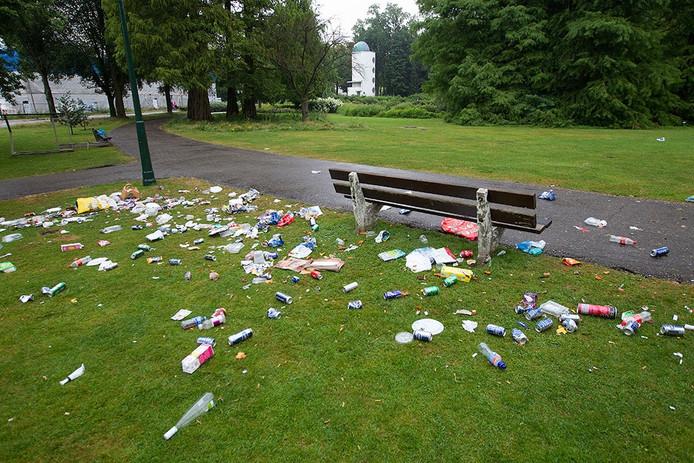 De rommel in het Stadswandelpark