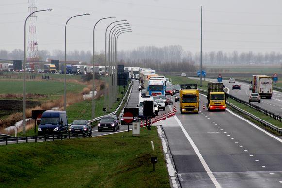 Vorige week moest de politie dezelfde maatregel uitvoeren. Toen ontstond een file vanaf Nieuwpoort tot in Oostduinkerke.