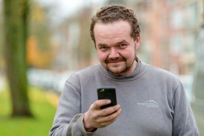 """Naamgenoot Bart De Pauw overladen met berichtjes """"Mij mag je nog sms'en, Bart"""""""