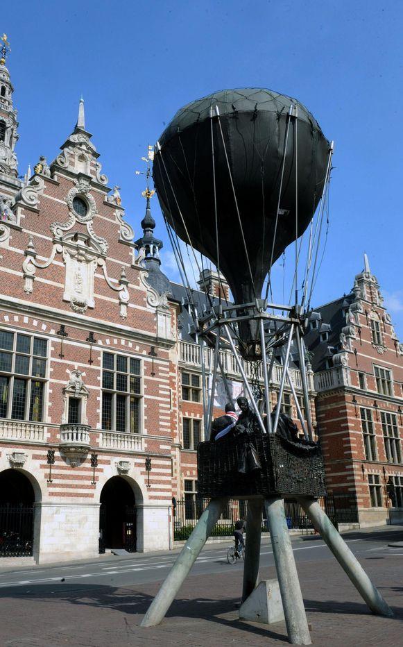 De ballon op het Herbert Hooverplein in Leuven.