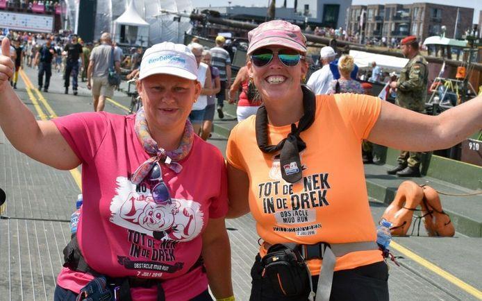 Aike en Carola (r) bij de Vierdaagse Nijmegen