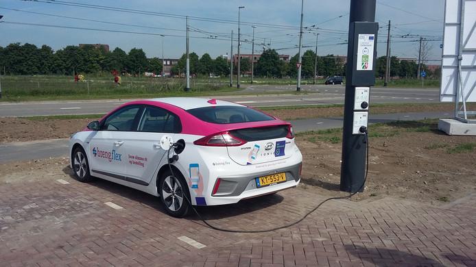 Elektrische Auto Laden Met Verspilde Trolleystroom Arnhem