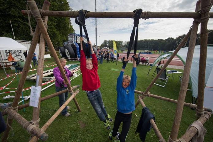 Een van de activiteiten op de eerste AV Flevo Deltadag was spijkerbroek hangen.