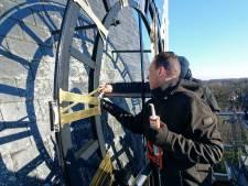 De klokken tikken weer weer op Gemondse kerk, 'Voor de avondklok zijn we wel thuis'