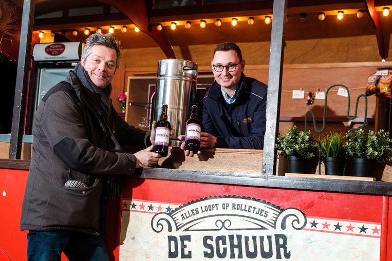 Tijdens de kerstboomverbranding aan Fort 3 zal het Robiano Amarone bier exclusief geserveerd worden.  Kurt de Ruijter en Jef Vets van Brouwerij Zuidkant