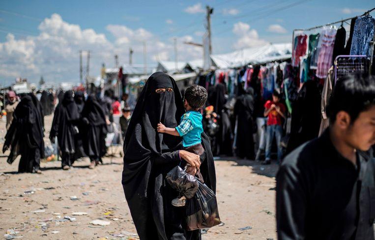 Gedetineerde IS-weduwen in het Koerdische Al Hol. Foto uit april 2019.