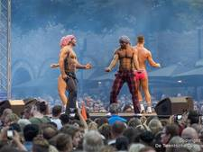 Dragqueens en chippendales trappen Grolsch Summer Sounds af