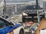 Un homme énervé fonce dans un magasin avec sa voiture