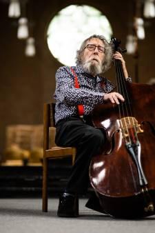 Peter Krijnen (80) is al zestig jaar samen met zijn bas: 'Een levenslange liefde'