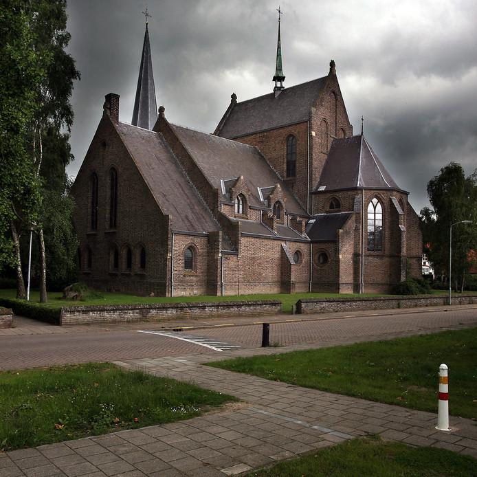 De kerk in het centrum van Groessen.