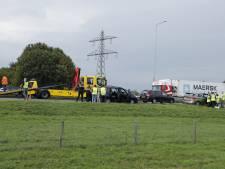 Kettingbotsing op A73 met 8 auto's, weg enige tijd afgesloten
