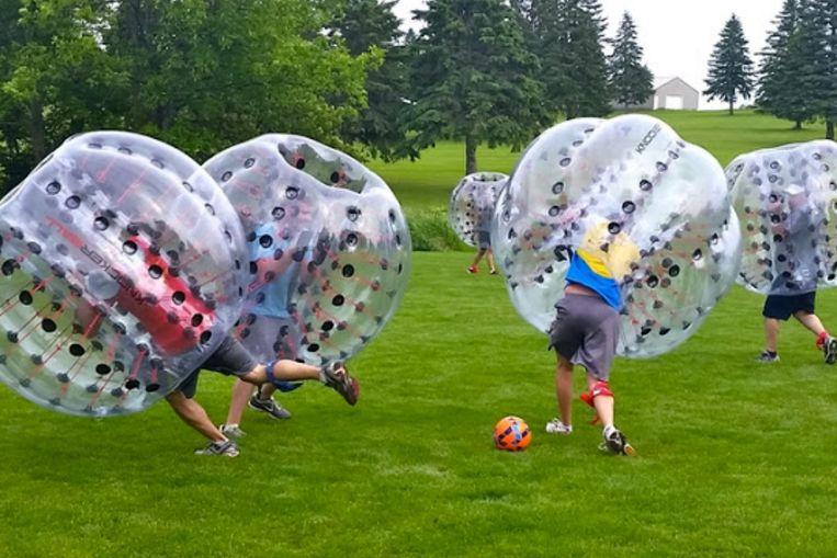 Bubble Soccer is één van de attracties van het nieuwe toeristische seizoen.