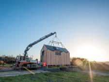 Bouw van eco-lodges bij dam begonnen