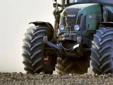 Tractor rijdt door na aanrijding in Nieuw-Lekkerland