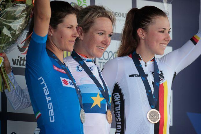 Pieters met Cecchini (links) en Klein (rechts) op het podium.