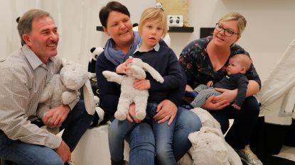 Bedrijf brengt knuffel Oscar speciaal voor Ella-June (6) opnieuw in productie na oproep in onze krant