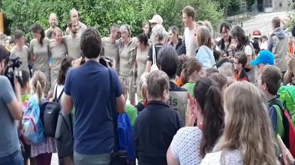 Verzorgers Planckendael krijgen luid applaus van bezoekers
