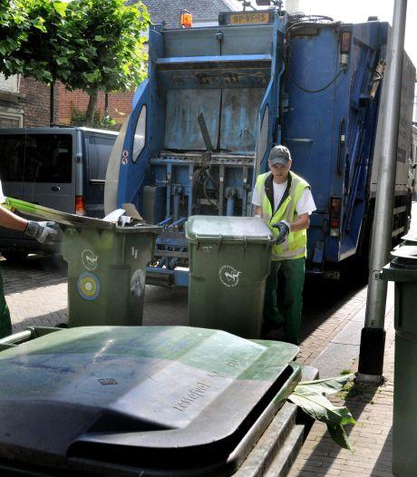 Het is heet, dus daar komen ze: gratis zakjes tegen maden-ellende in Tilburg