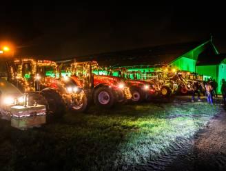 """Landbouwers vragen met lichtstoet aandacht voor hun stiel: """"Gronden staan onder druk, vergunningstrajecten vaak problematisch"""""""