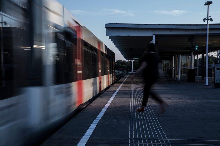 Station Venserpolder, Metro 53 Beeld Waldthausen Marlena