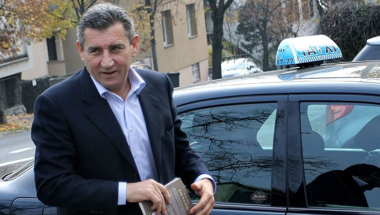 Ex-generaal Gotovina bij zijn appartement in Kroätie. Beeld afp