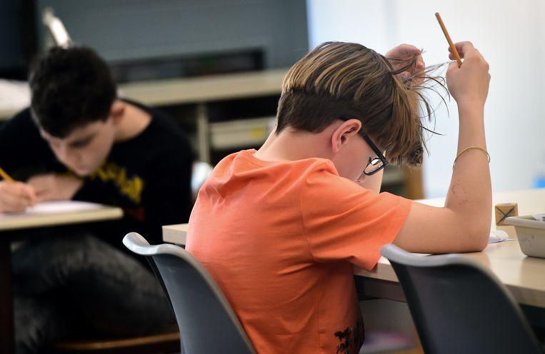 Zo'n 16 duizend keer per jaar wordt het schooladvies bijgesteld naar aanleiding van het eindtoetsresultaat. Beeld Marcel van den Bergh / de Volkskrant