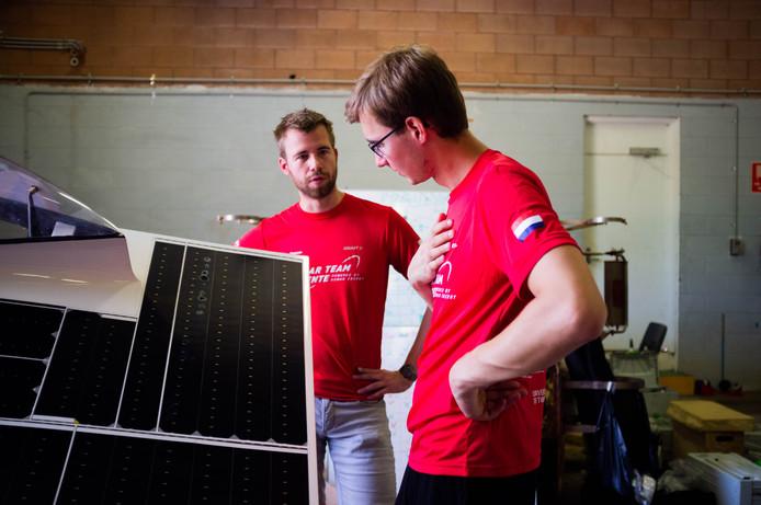 Ongeloof bij het team: het zonnepaneel is flink beschadigd