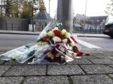 Vrienden leggen bloemen voor doodgestoken Paul Pluijmert