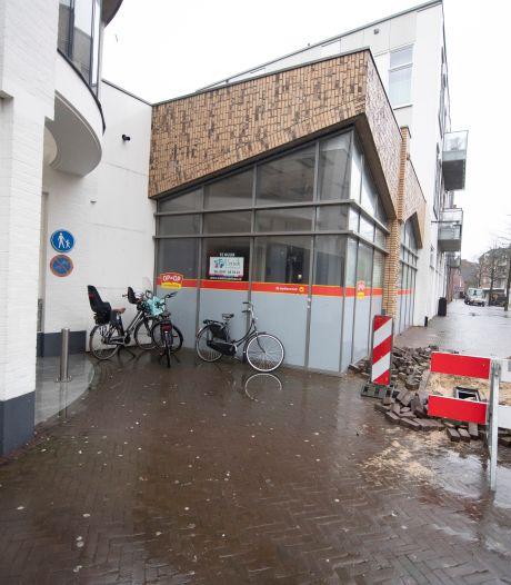 ANWB winkel verhuist steenworp verderop in Almelo naar Galerij aan Marktplein