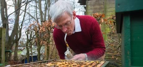 Mari van Iersel is eindeloos nieuwsgierig naar de honingbijen