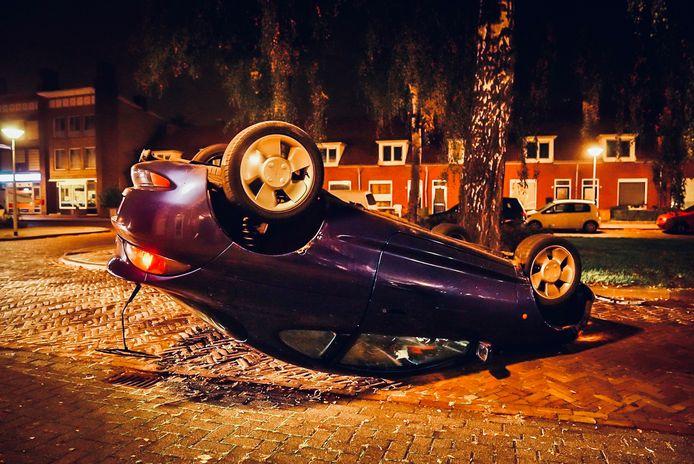 Hoe de auto zo terechtkwam, is onduidelijk.