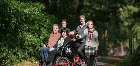 Elektrische riksja in Knegsel: 'Als je als gehandicapte thuis zit, wordt je wereld steeds kleiner'