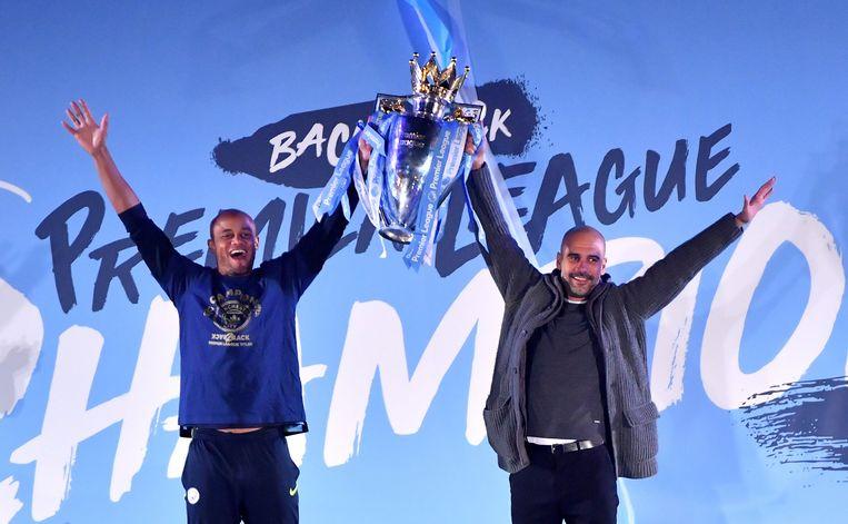 Met Pep Guardiola na het behalen van de landstitel vorig seizoen.