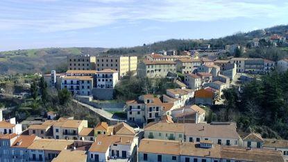 Italiaans dorpje met nog 1.500 inwoners lokt nieuwkomers door hun huur te betalen