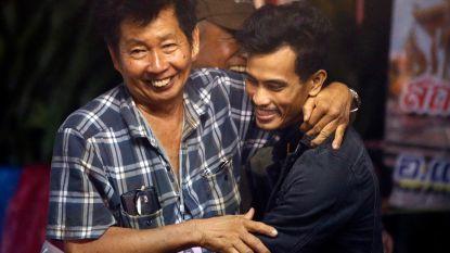 Video toont moment waarop vermiste voetballertjes en coach worden gevonden na 9 dagen in Thaise grot