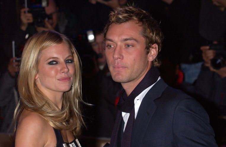 Jude Law en Sienna Miller in 2003