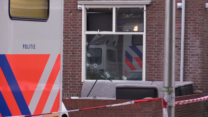 Een woning aan de Benkoelenstraat in Enschede werd in 2017 beschoten met een automatisch vuurwapen