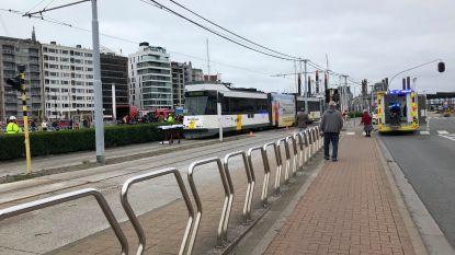 Rolstoelgebruiker gewond na aanrijding met tram aan Kapellebrug