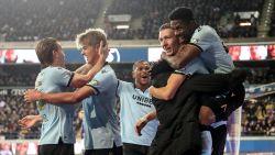 Debutant Colassin doet Anderlecht even dromen, maar weergaloze Vanaken schiet Club naar zege