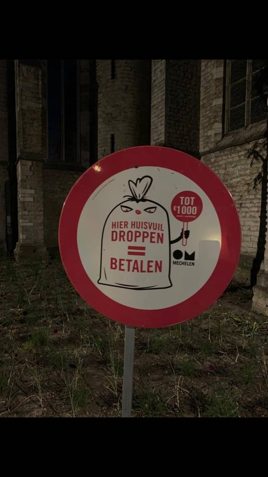 De vervuilers voor het opruimen laten betalen, zoals ze in Mechelen doen.