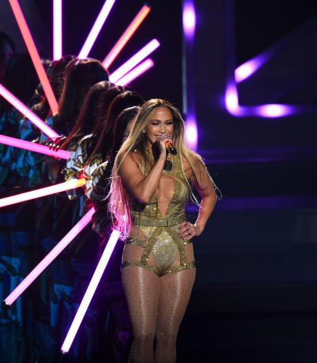 Staande ovatie voor Jennifer Lopez bij MTV awards