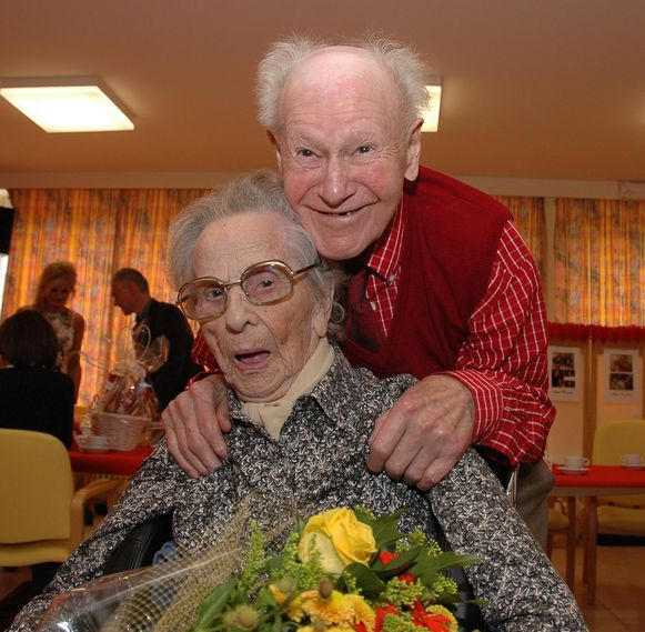 Albert Godderis en echtgenote Anna Vanassche op het feest voor hun 77ste huwelijksverjaardag in september 2012. Ze waren toen het langst getrouwde koppel van België.