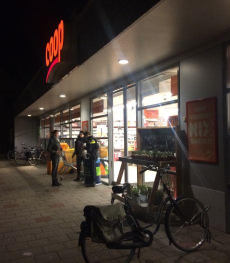 Klant jaagt man met 'vuurwapen' de Coop uit in Zutphen